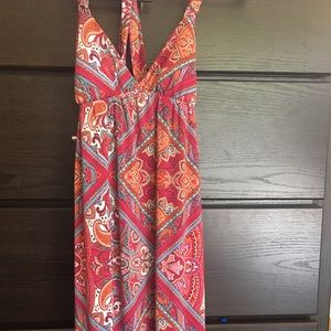 Dresses & Skirts - Floral print maxi dress in stretch material!
